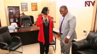Nankulu wa KCCA Jennifer Musisi akyaddeko mu ofiisi ya Lord Mayor Lukwago