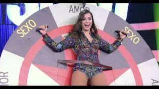 Anitta tira a roupa e revela detalhes de sua vida sexual na TV