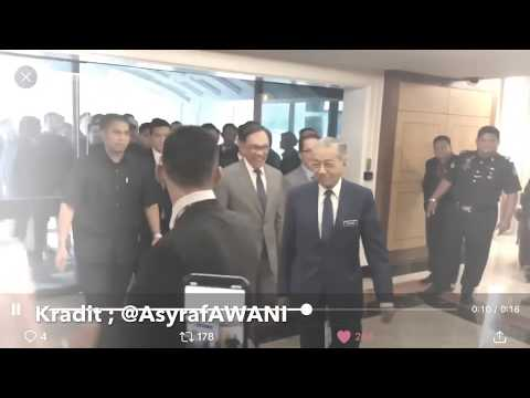 Xxx Mp4 Lawak PM Tun Mahathir DS Anwar Ibrahim Berlawak Bersama Media Di Parlimen 3gp Sex