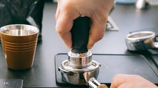 ESPRESSO TOYS - serious fun with coffee (Synesso Hydra, Mahlkönig EK43, E-Tamper)