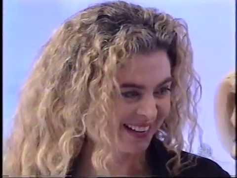 Margarita Rosa de Francisco cantando no Programa da Hebe 2001