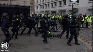Acte 2 des Gilets Jaunes à Paris / barricades sur les Champs-Elysées  - 24 novembre 2018