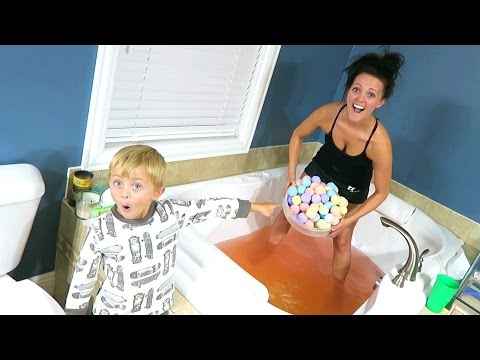 THIS IS CRAZY!! 100 BATH BOMBS Experiment!!