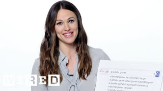 Jennifer Garner Answers the Web