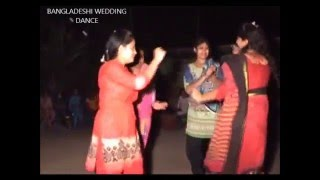 Bangladeshi Xclusive wedding dance at village jotil scene na dekhle miss korben