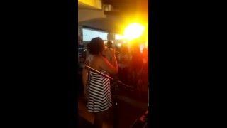 Samba Six com Hellen Fidelis