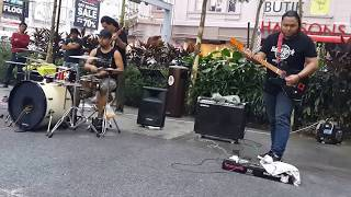kamelia-otaii mantap  feat Sentuhan buskers cover sweet charity,guiter padu solo