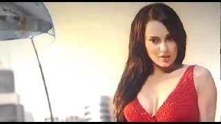 Kangana Ranaut Hot Thighs In Krrish 3