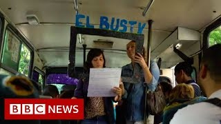 El Bus TV: News bulletins on the bus in Venezuela - BBC News