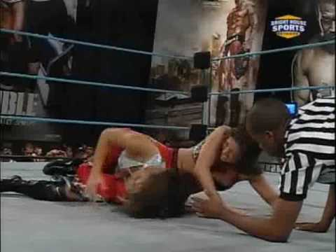 Savannah vs. Mia Mancini FCW 10.18.09