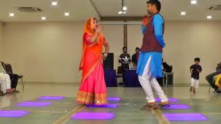 Bhabhi bhaiya and devar dance at munda thoda offbeat hai @ Sangeet event