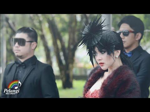 Pop - Syahrini - Seperti Itu? (Official Music Video)