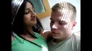 desi sexy girl likes and kissing gora (english man)