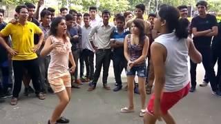 Hot Dance - Jattan Di Trali Bane 3 Lakh Full HD Punjabi Song