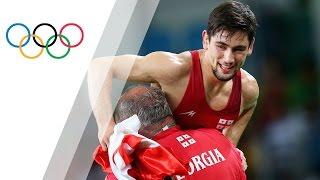 Khinchegashvili wins gold in men