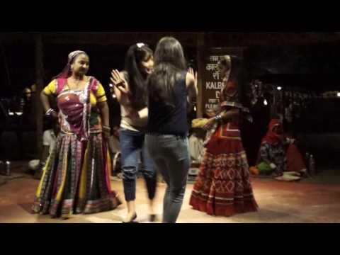 SUPERB DANCE BY DELHI GIRLS IN CHOWKI DHANI VILLAGE | JAIPUR RAJASTHAN