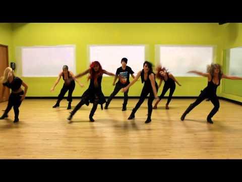 Bailarinas de W&Y 2012 Coreografía por KENDRICK MART pt.2