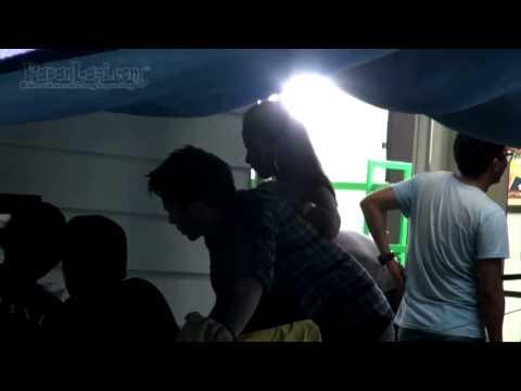 Model Video Klip Bersandar di Punggung Ariel NOAH