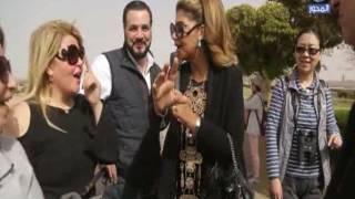 موقف طريف يتعرض له مجدي كامل ومها احمد في زيارتهما لاسوان