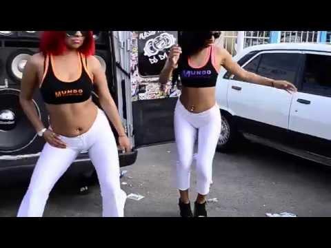 Promotoras Bailando Hot Calza Blanca Cameltoe