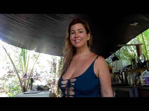 Hot latina pussy cum