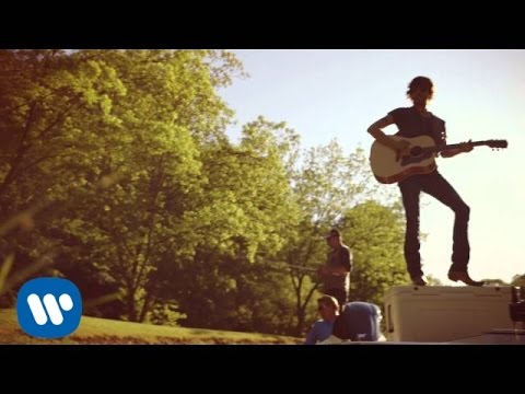 "Chris Janson - ""Buy Me A Boat"" (Official Video)"