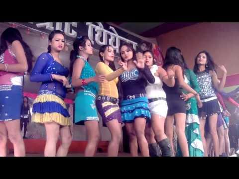 Hot and Sexy Dance in Shobha Samrat Theater at Sonepur Mela 2015 2
