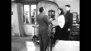"""La signora senza camelie"", Michelangelo Antonioni (1953) - Il Bacio"