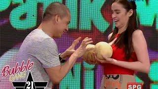 Bubble Gang: Grab the melon, Kim!