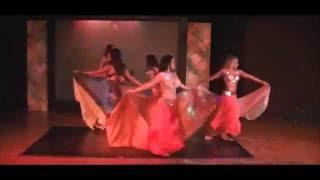 Ali Baba Farah Belydance - Bellydance moderno con dagas, sable y velo