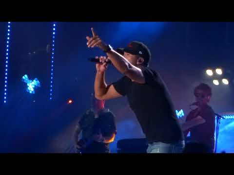 "Download Luke Bryan sings ""Sunrise, Sunburn, Sunset"" live at CMA Fest free"