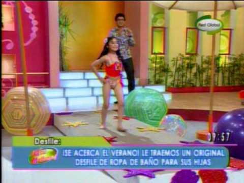 CAMILA modelando en ropa de baño en Que tal Mañana 13 11 09
