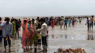 Waves near Shiva temple in the sea, Bhavnagar