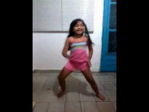 criança dançarina de funck keyla