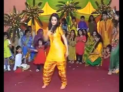 Amazing desi girl dance in mumbai sexy wedding