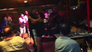 2014 - Improvisation de danse Zouk lors d'un live en Guadeloupe by Occo Style
