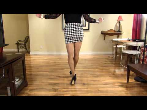 crossdresser in pied de poule mini skirt