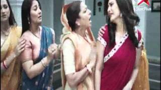 Suhana woos Ishaan - promo