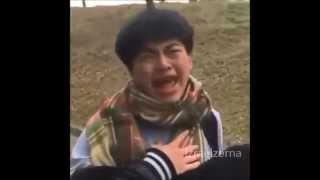 Chino se asusta y canta Chandelier