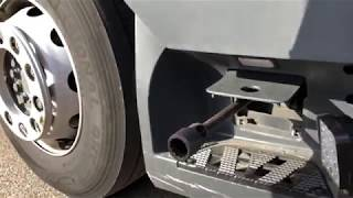 How to tilt the truck cockpit Mercedes Benz Actros MP4 1836 flip the drivers cabin to engine DIY