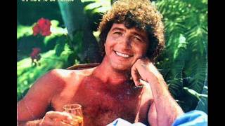 Mac Davis - It's Hard To Be Humble (1980)