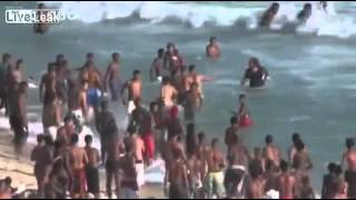 Brazil Beach Robberies: Tourists Robbed on Beach by Gang of Thieves