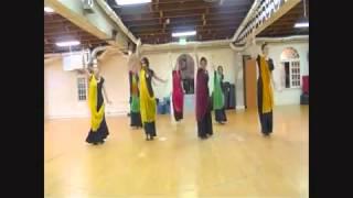 تدريب رقص على اغنية لكارنيكا كابور  jugni ji