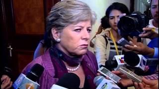 Mujeres interrumpen discurso de Danilo Medina con consigna pro Haití