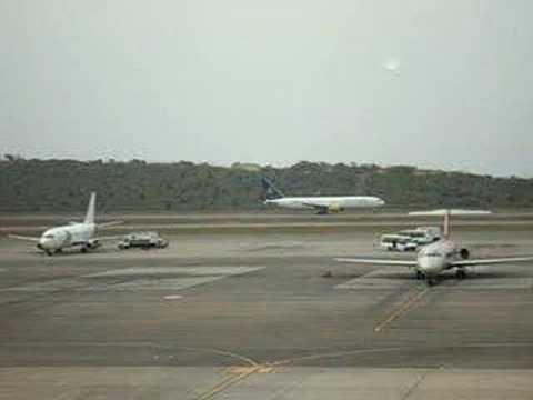 despegue 767 SANTA BARBARA Airlines Maiquetia