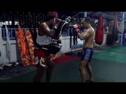 Khun Voranai Muay Thai Pad Work