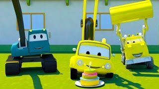 Construction Squad: the Dump Truck 🚛 the Crane and the Excavator build The Cake Machine in Car City