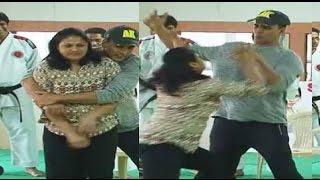 Bollywood Actors Ugly Slap Stories Shahrukh Khan, Akshay Kumar
