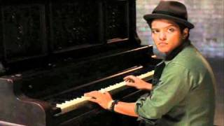 Bruno Mars- Talkin to The Moon [With Lyrics]