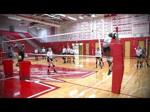 Metea Valley vs. Naperville Central, Girls Volleyball // 9.29.15